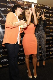 Kim-and-Khloe-Kardashian-Promote-The-Kardashian-Kollection-04.md.jpg