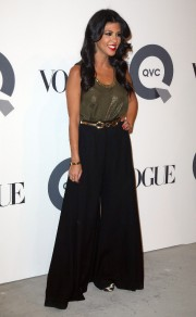 Kim and Kourtney Kardashian QVC 25 To Watch Party 10