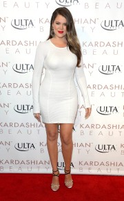 Kourtney-And-Khloe-Kardashian---Launch-New-Line-Kardashian-Beauty-08.jpg